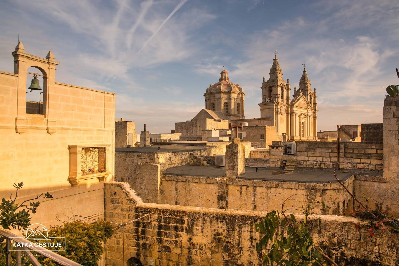 tiche mesto mdina malta stredoveky chram kostel